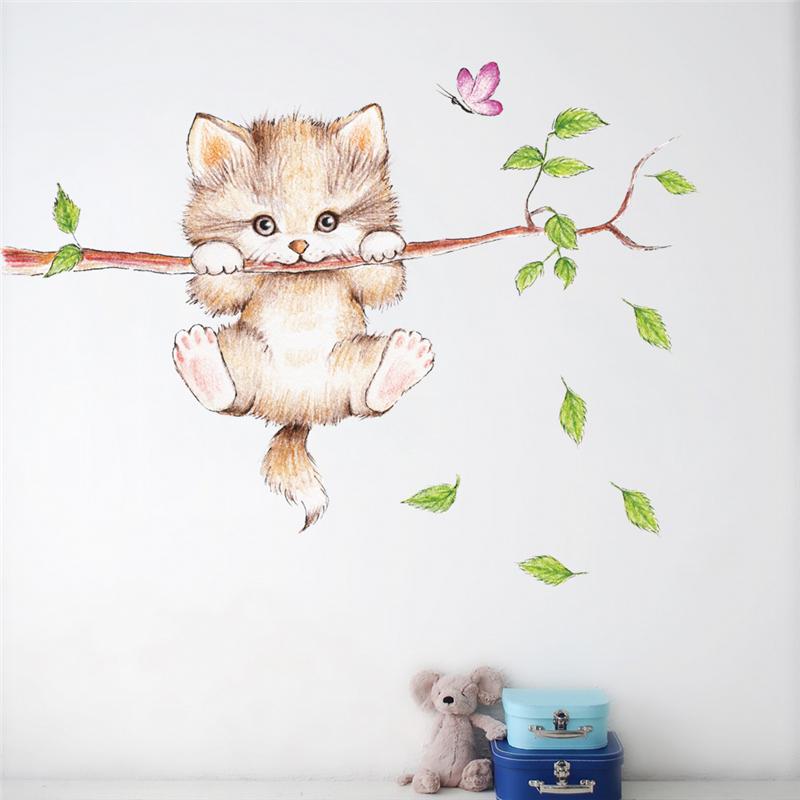 Samolepka Malé kotě na větvi